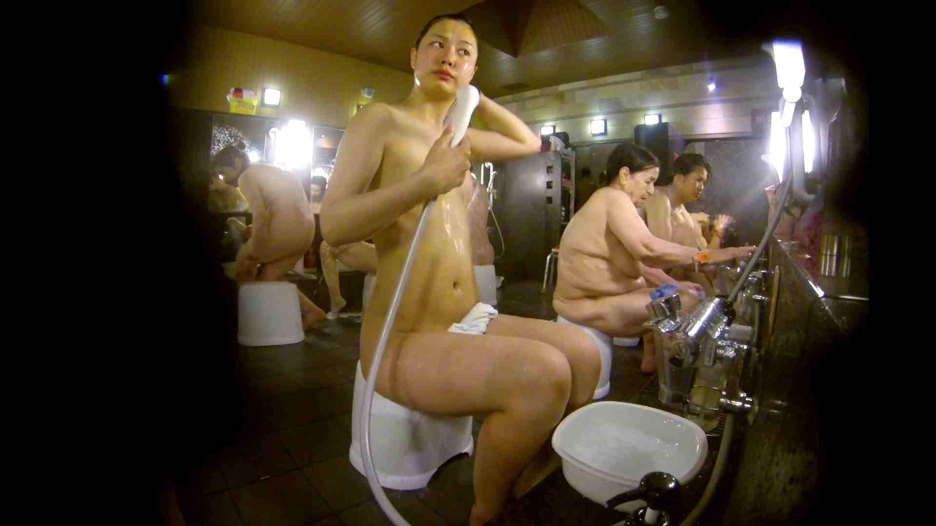 追い撮り!脱衣~洗い場、徹底追跡!撮り師さんに拍手!! 0   0  103画像 33