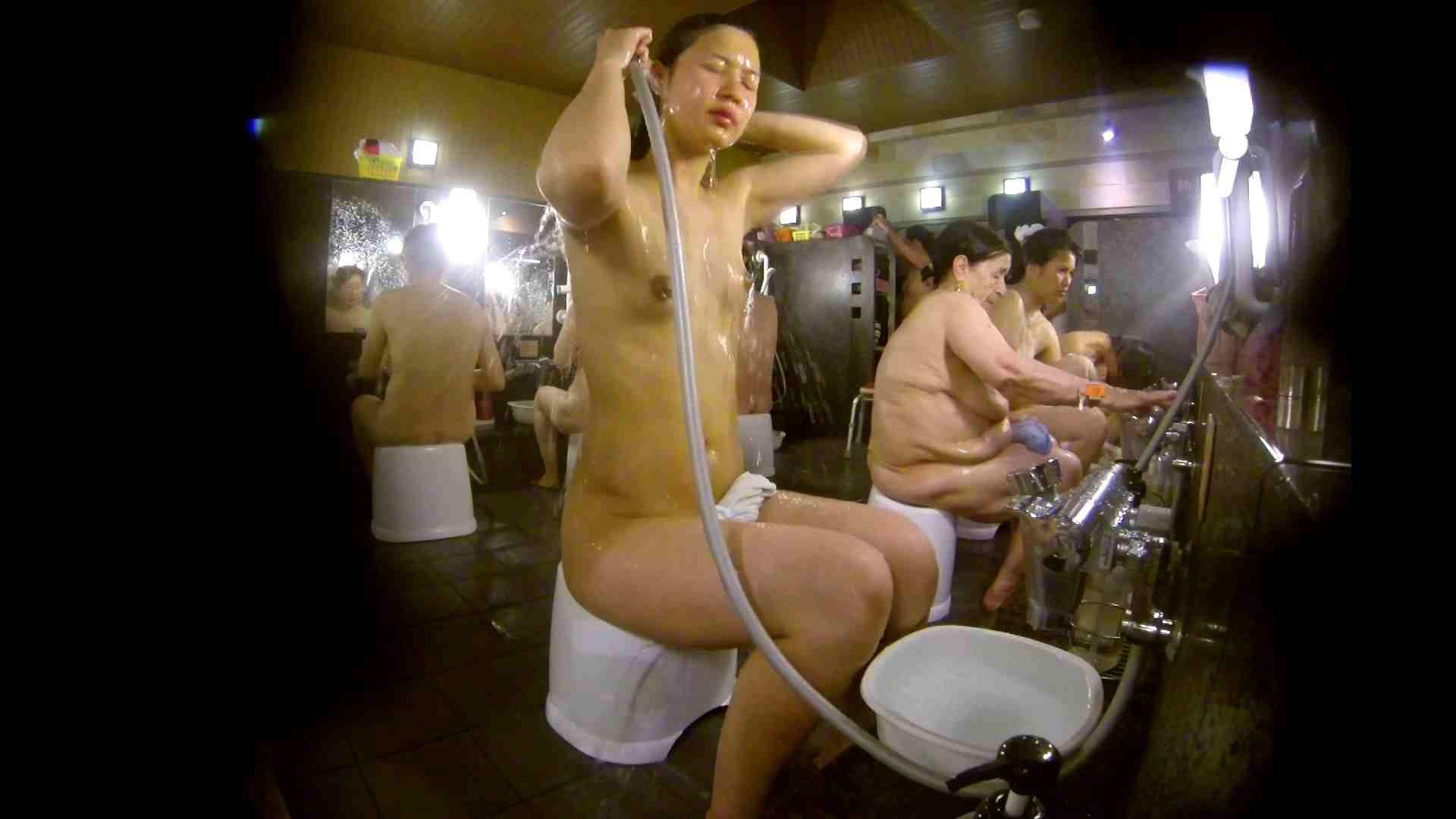 追い撮り!脱衣~洗い場、徹底追跡!撮り師さんに拍手!! 0   0  103画像 39