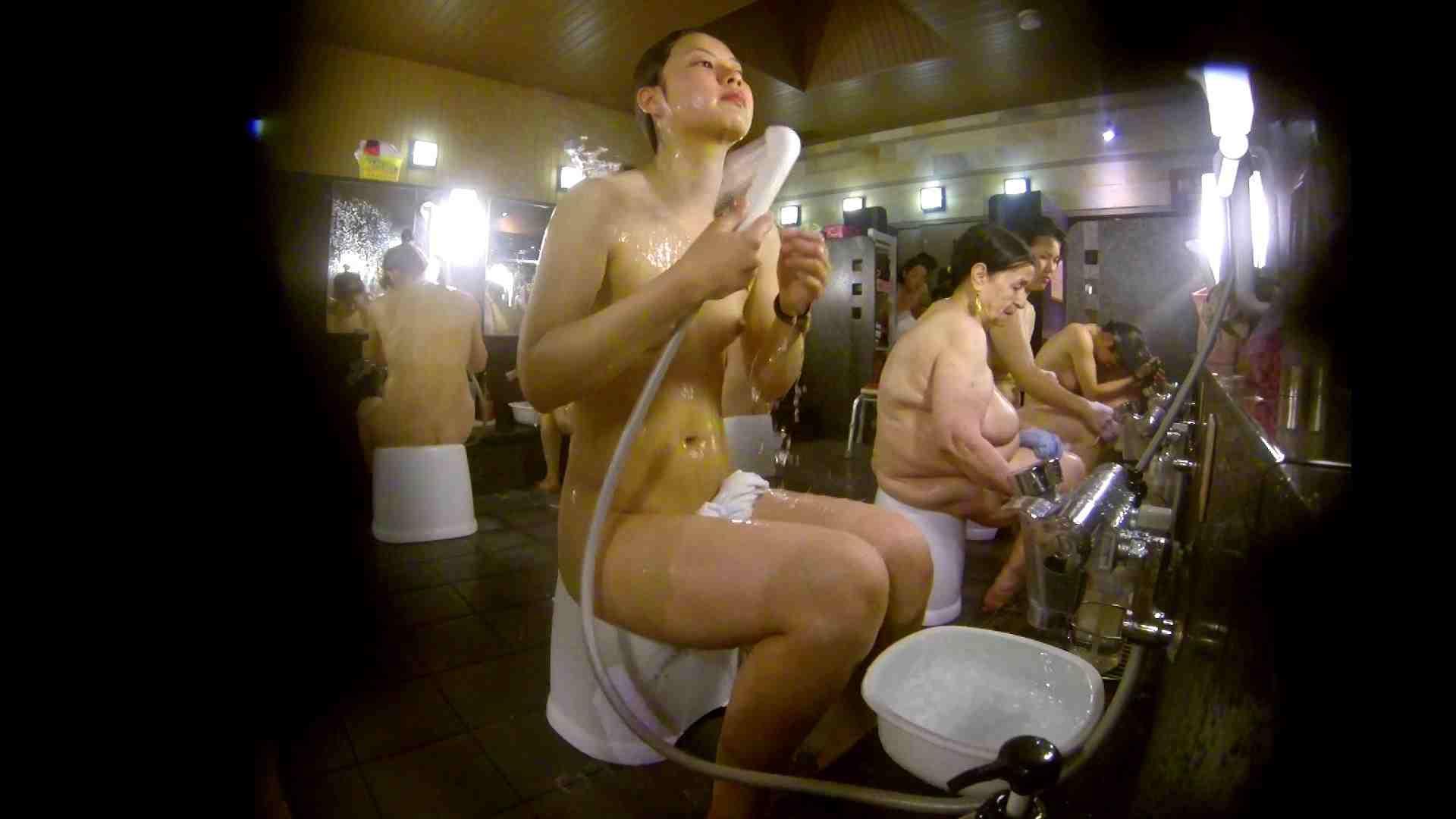 追い撮り!脱衣~洗い場、徹底追跡!撮り師さんに拍手!! 0   0  103画像 41