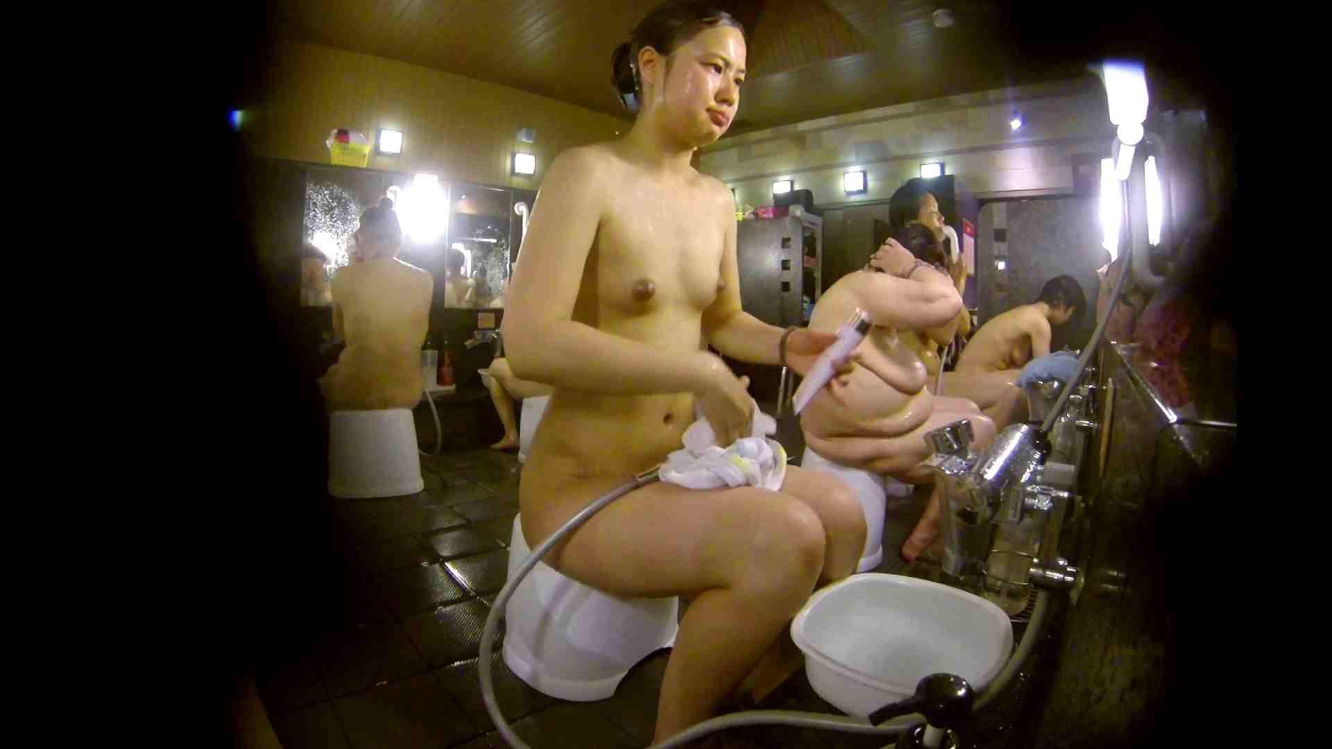 追い撮り!脱衣~洗い場、徹底追跡!撮り師さんに拍手!! 0   0  103画像 55