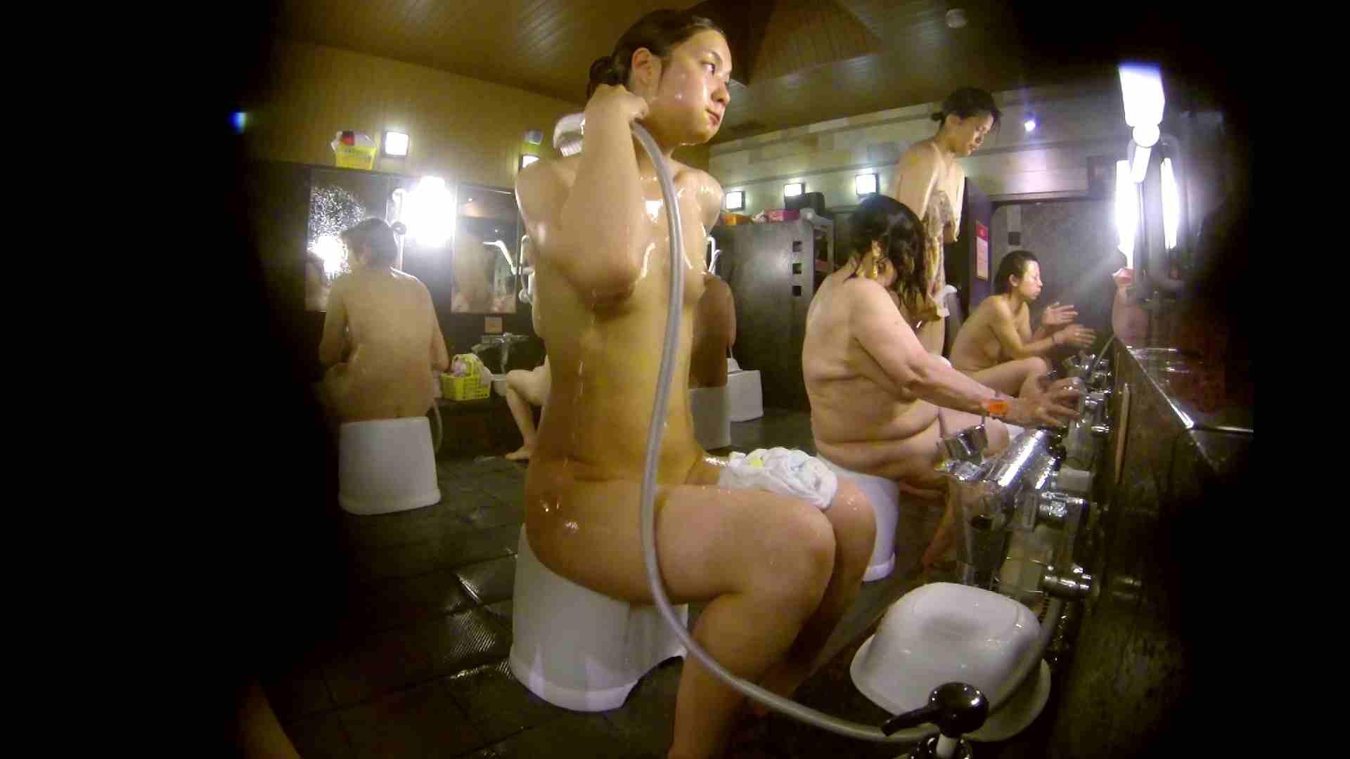 追い撮り!脱衣~洗い場、徹底追跡!撮り師さんに拍手!! 0   0  103画像 73