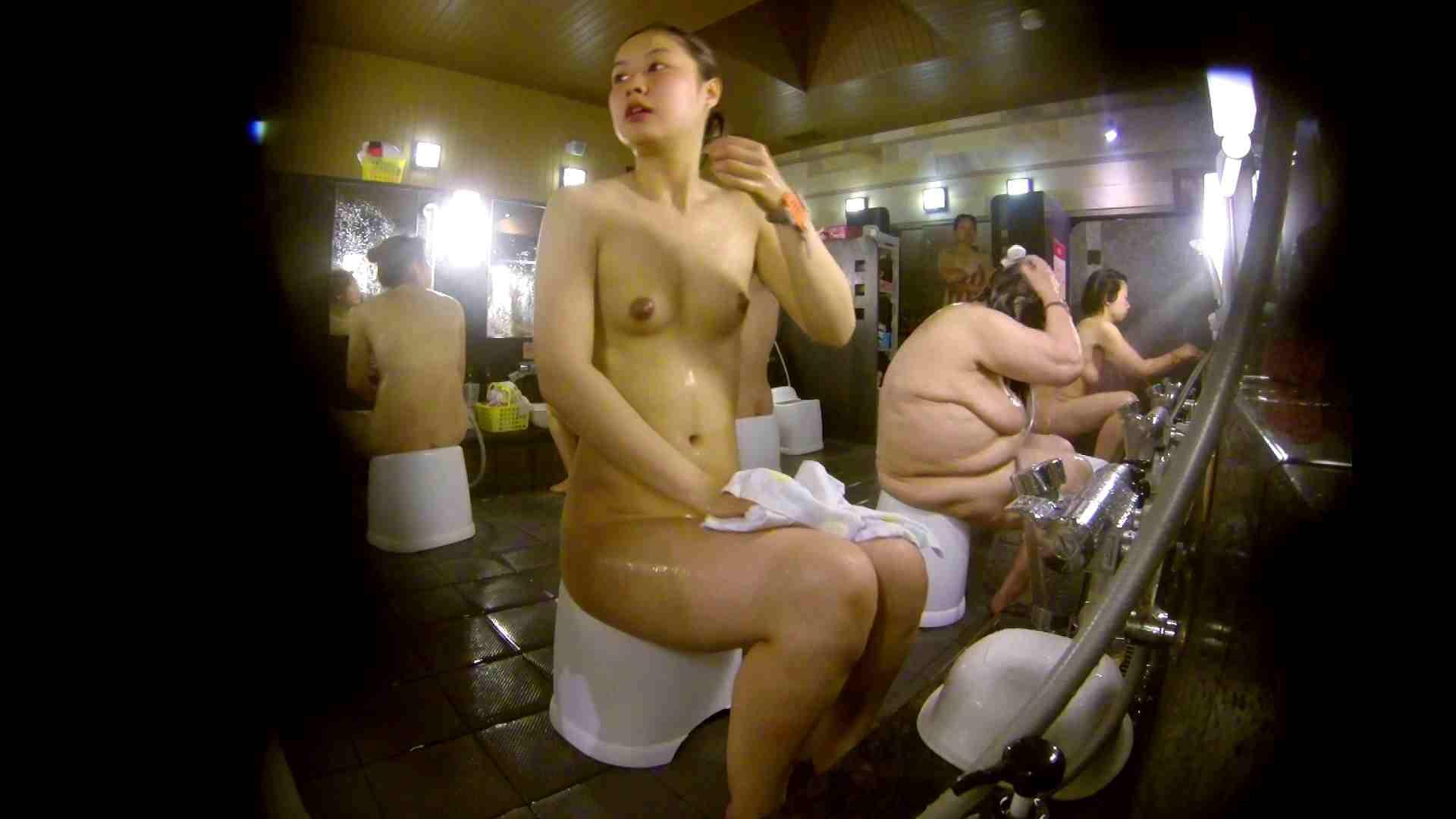 追い撮り!脱衣~洗い場、徹底追跡!撮り師さんに拍手!! 0   0  103画像 78