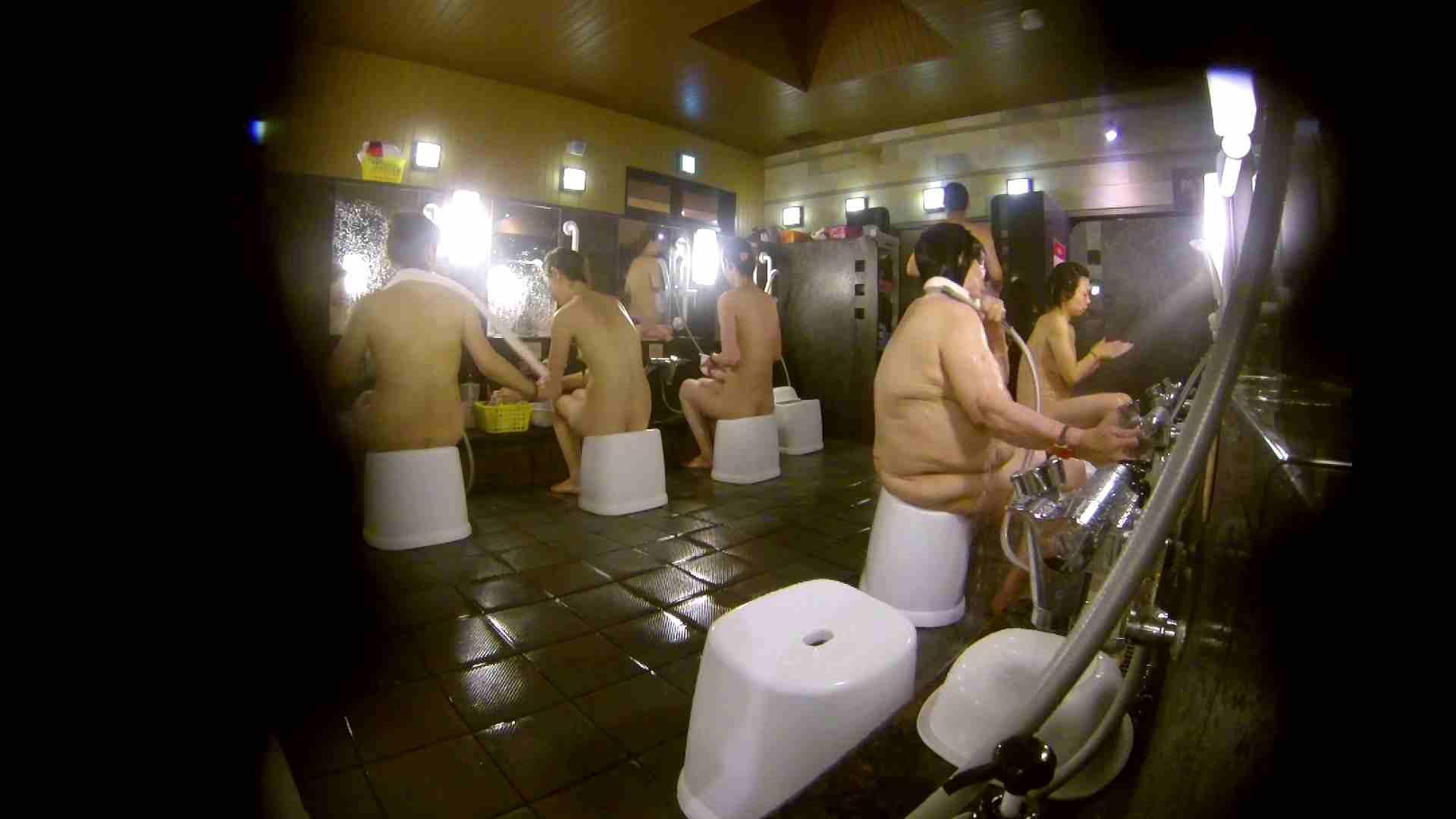 追い撮り!脱衣~洗い場、徹底追跡!撮り師さんに拍手!! 0   0  103画像 82
