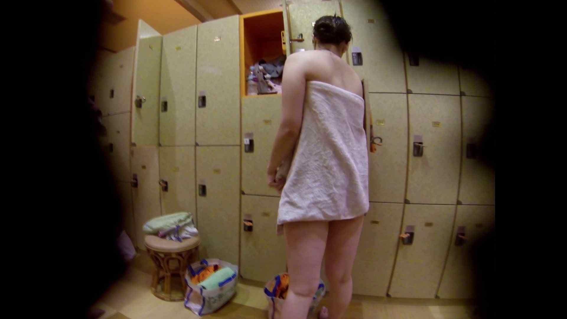 追い撮り!脱衣~洗い場、徹底追跡!撮り師さんに拍手!! 0   0  103画像 91