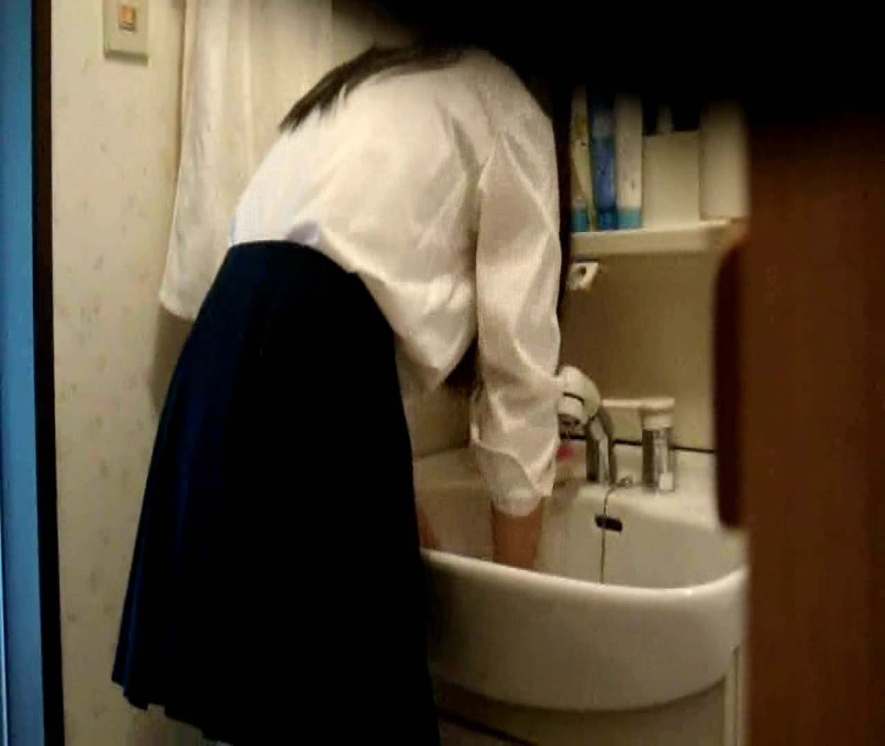 二人とも育てた甲斐がありました… vol.05 まどかが洗顔後にブラを洗濯 盗撮特集   おまんこ  86画像 19