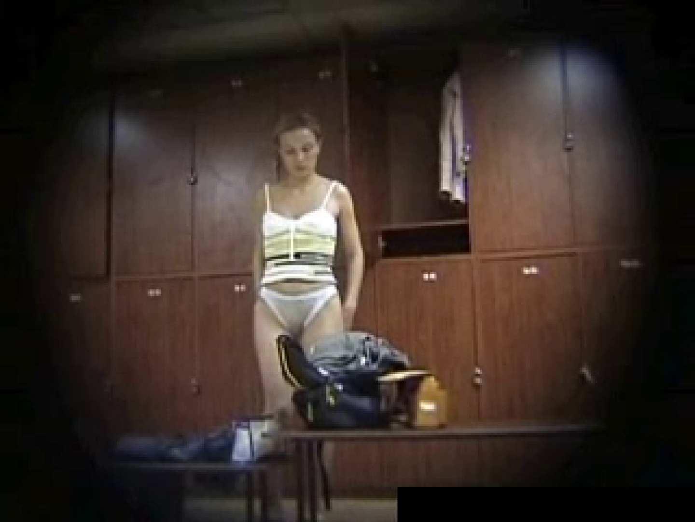 欧州ロッカールーム覗き撮り6 セクシーガール   フリーハンド  93画像 21