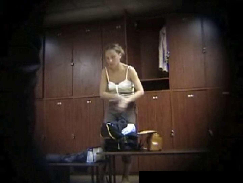 欧州ロッカールーム覗き撮り6 セクシーガール   フリーハンド  93画像 24