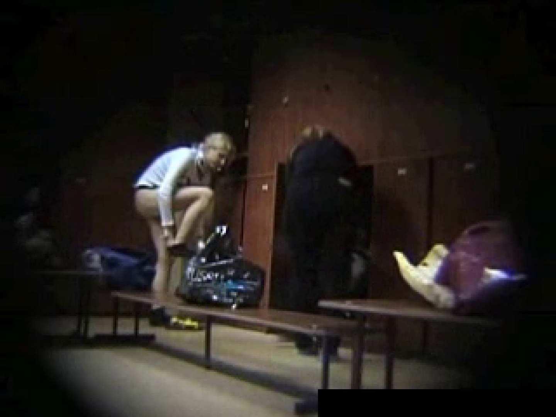 欧州ロッカールーム覗き撮り6 セクシーガール   フリーハンド  93画像 31