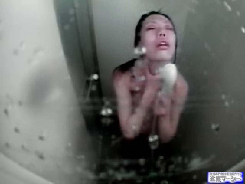 二点盗撮!!レース会場シャワー室 巨乳   0  100画像 34