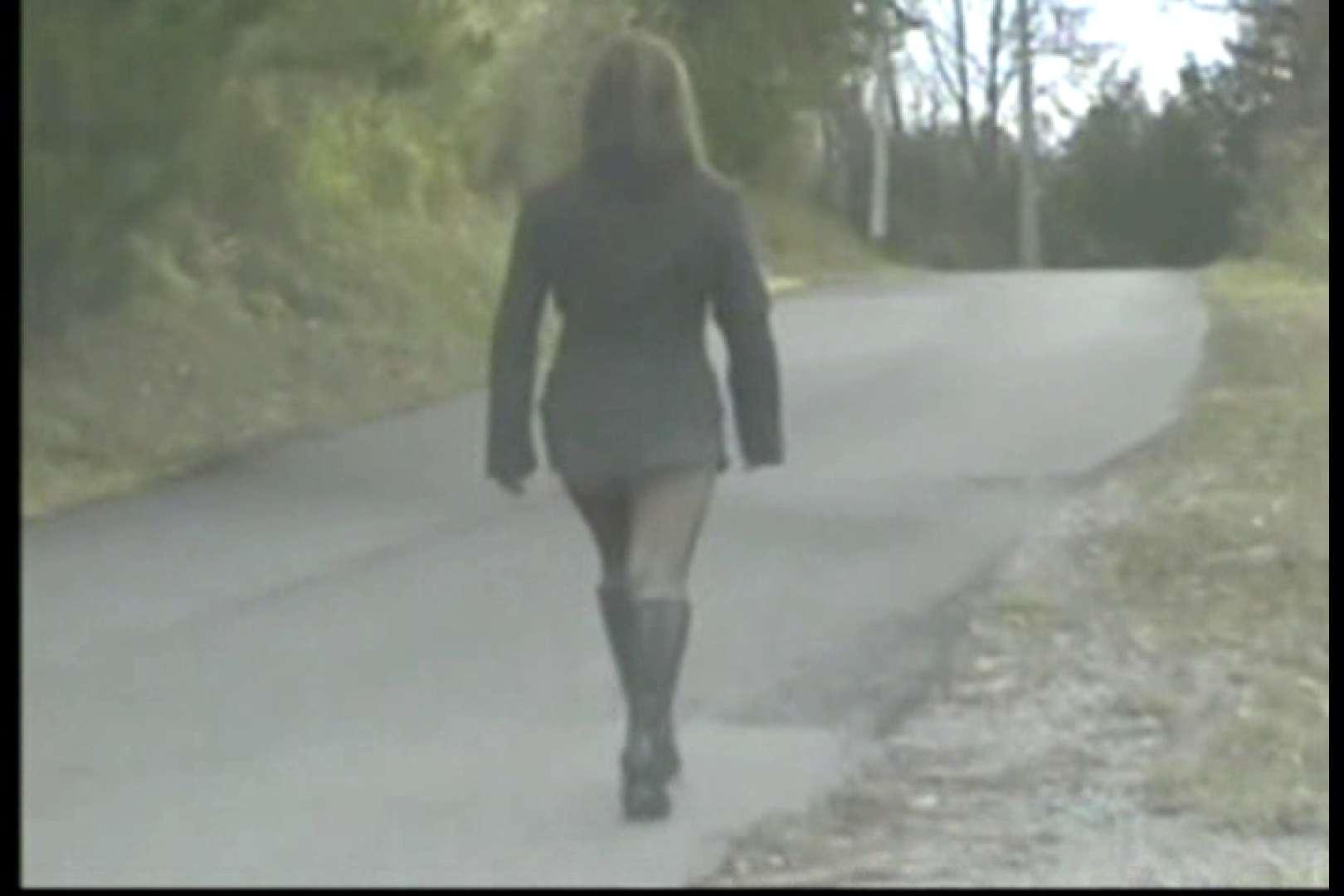 美熟女の野外露出プレイ2 魅力   0  85画像 2